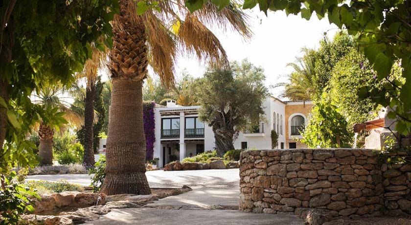 hoteles con encanto en santa gertrudis de fruitera  55