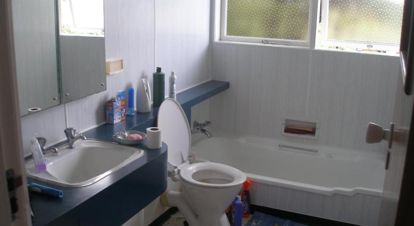 Bathroom Karori Central - International Student Homestay