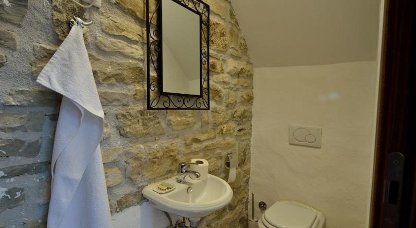 Bathroom Traditional Stone House