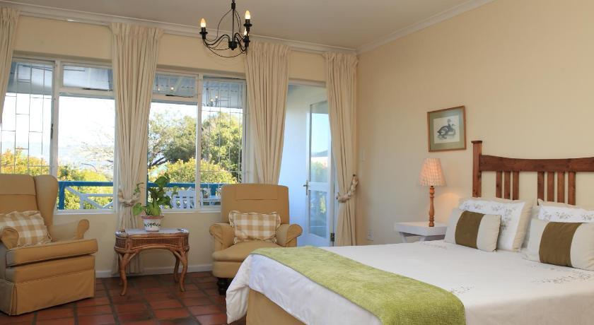 Yellowwood Lodge | Cheap Hotels in Knysna South Africa