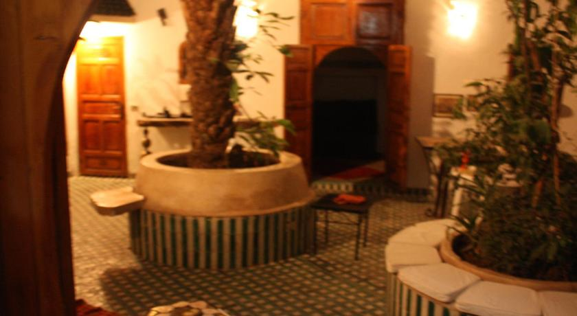 Wahdi Single Room with Private External Bathroom - Pub Riad O-ly