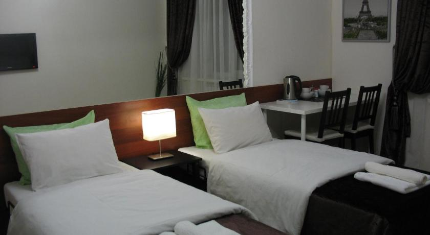 Five Rooms Hotel