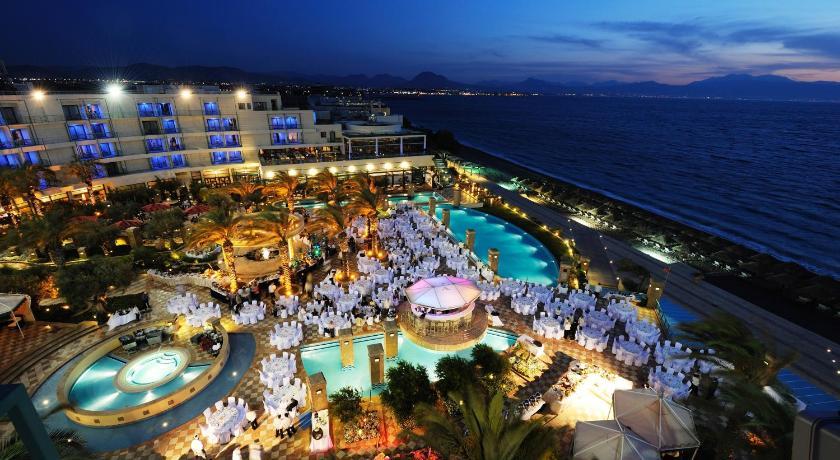 Htel club casino loutraki 5* luxe - grce играть в игровые аппараты дельфины онлайн