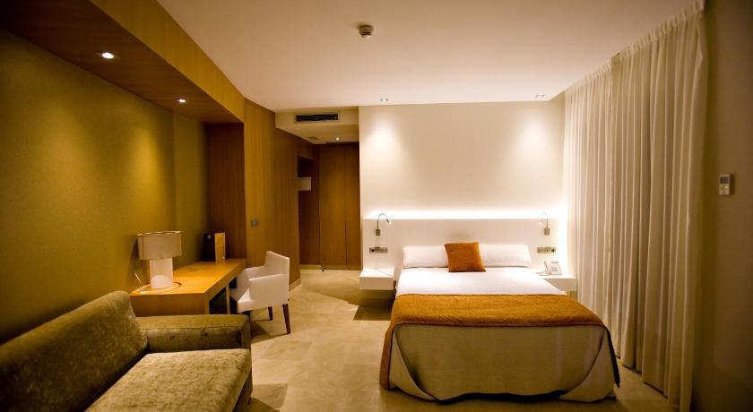 hoteles con encanto en cádiz  212