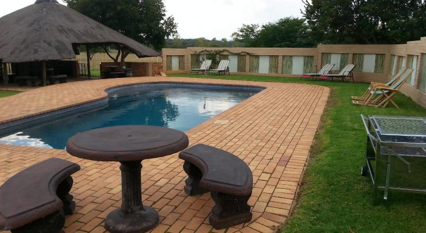 Swimming pool Lokuthula Country Lodge