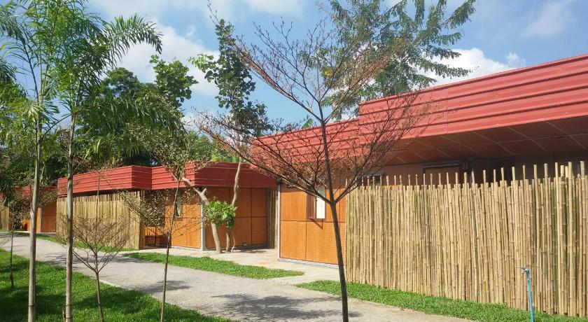 Rachaherb Gardens Resort