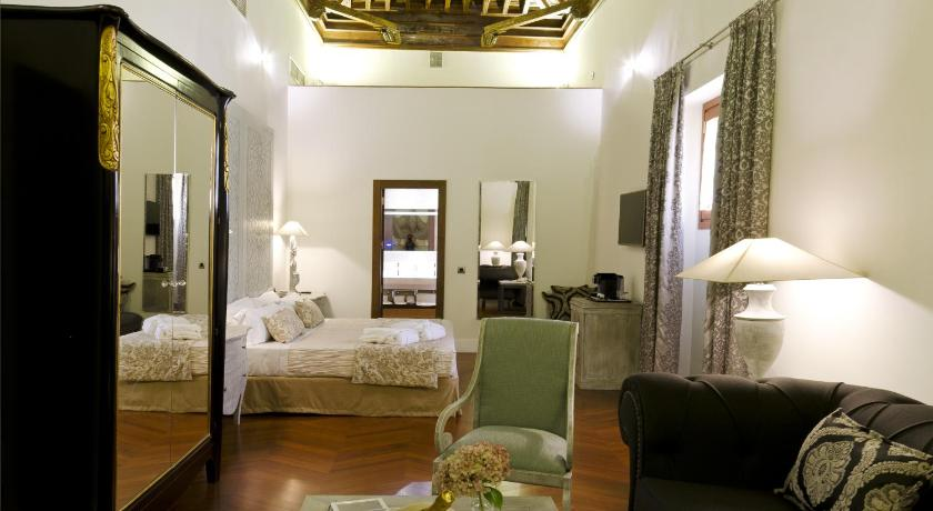 boutique hotels sevilla  354
