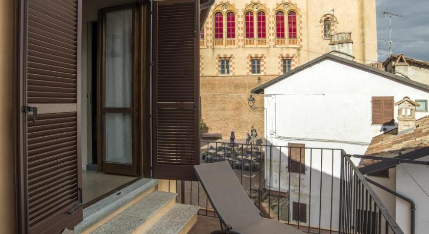 Balkon Barolo Rooms Affittacamere