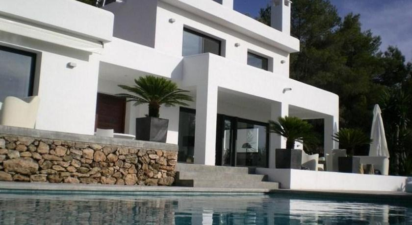 See all 30 photos Villa in Cala Tarida V