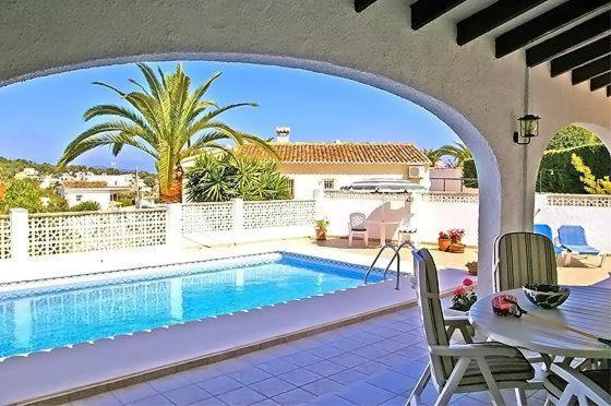 Apartment with garden, fireplace in Benissa