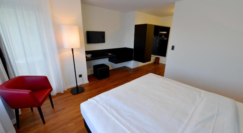 Standard Double or Twin Room - Guestroom Hotel Illuster