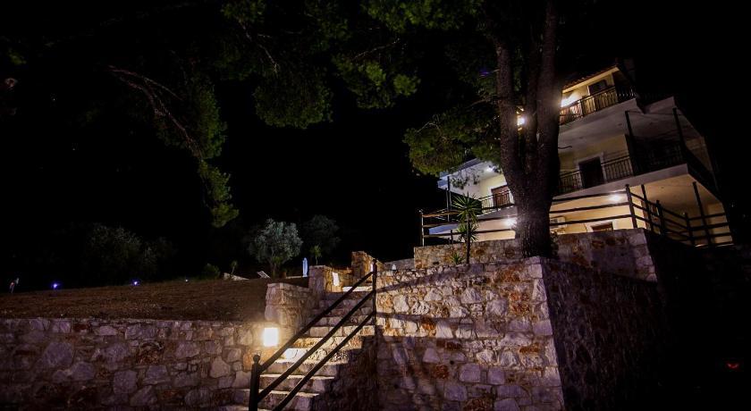 Villa Evelyn Ag.Anargyroi Skópelos