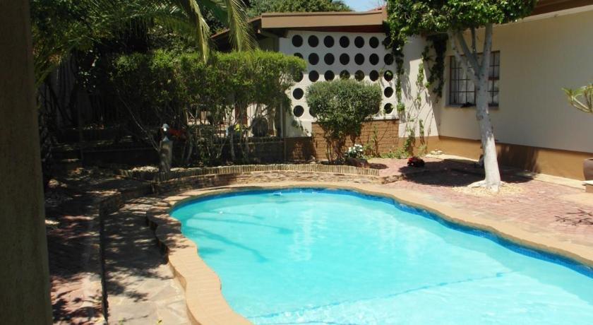 Swimming pool Caotinha Guest Cottage