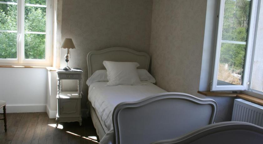 Twin Room with Private Bathroom Gentilhommière Eaux Bleues