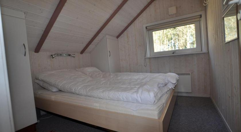 Two-Bedroom Holiday Home Holiday home in Strandvejen Henne Strand X
