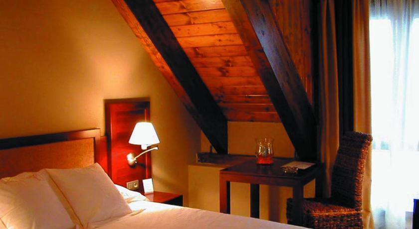 hoteles con encanto en tramacastilla de tena  16