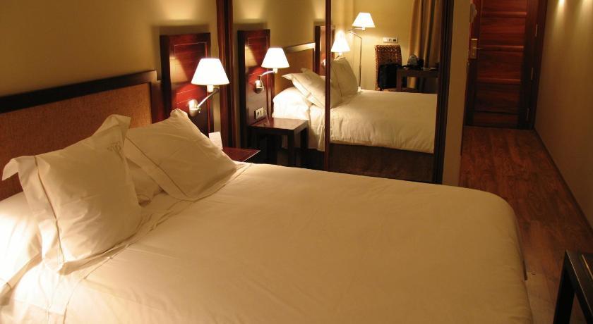hoteles con encanto en tramacastilla de tena  11