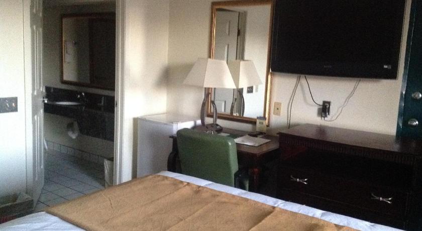 Quality Inn Chipley - Chipley, FL 32428