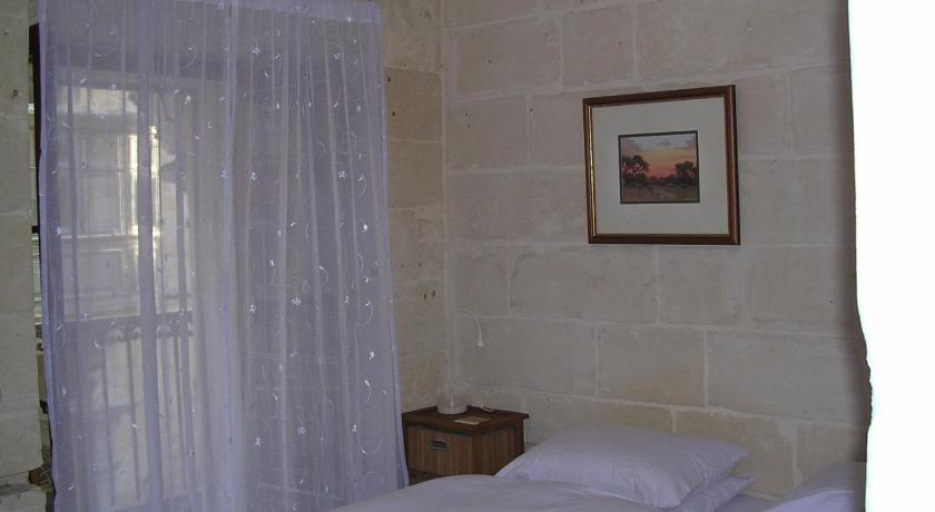 V. B. Apartments Flat 1, 51, Old Bakery Street Valletta