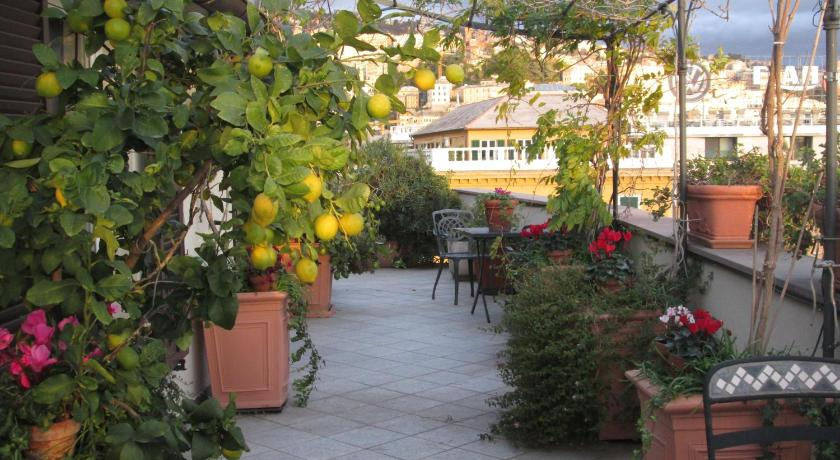 La Terrazza Sul Porto | Book online | Bed & Breakfast Europe