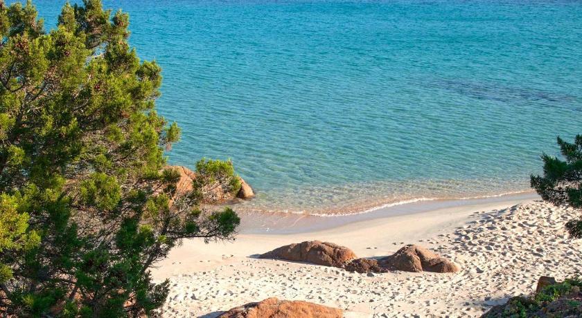 Hotel Residenziale Spiaggia Longa Via Funtana Veccia Isola Rossa