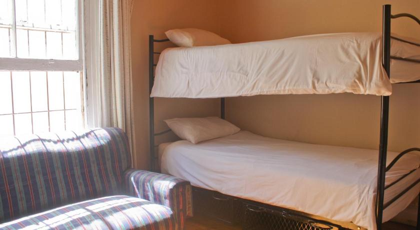 Four-Bed Dorm Room (Multishare) - Bed Mountain Manor Backpackers
