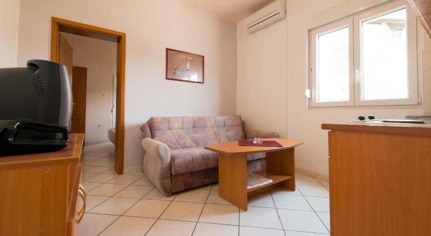 One-Bedroom Apartment with Terrace (4 Adults) - Separate living room Apartments Ero