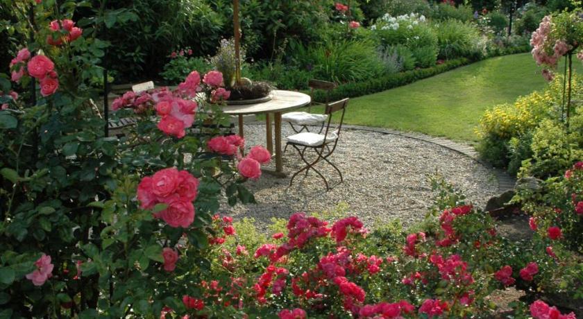 göcke's haus und garten   book online   bed & breakfast europe, Garten und Bauen