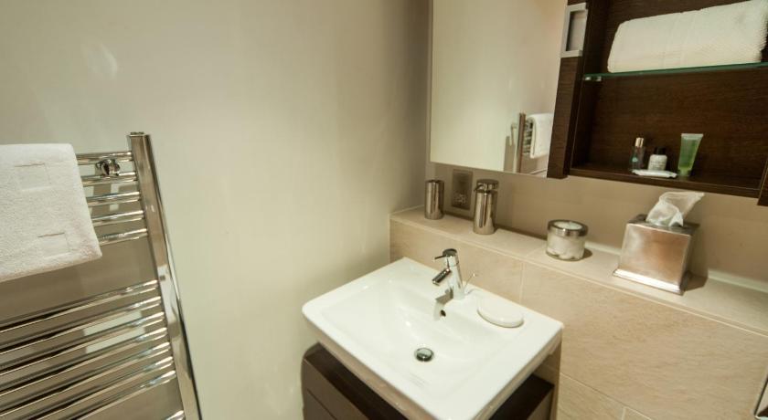 Luxury Quartermile Self Catering Apartment 16 Simpson Loan, flat 5 Edinburgh