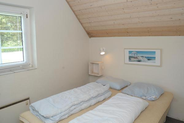 Six-Bedroom Holiday home in Ulfborg 2