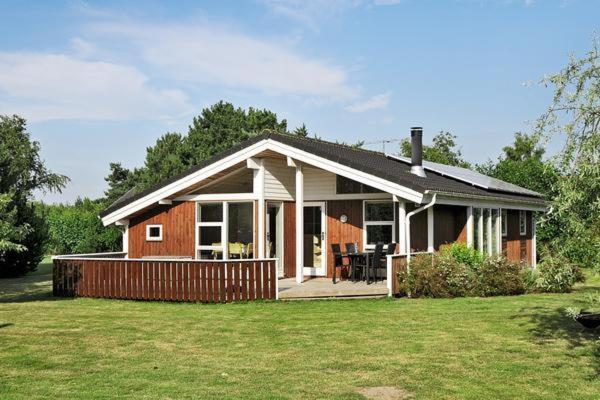 Three-Bedroom Holiday home in Rødby 16