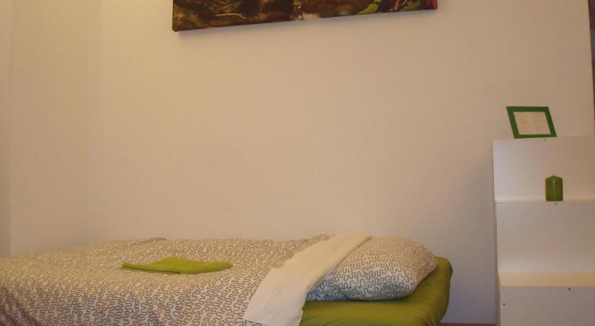Two-Bedroom Apartment - Bed Green Bed Bergamo Double