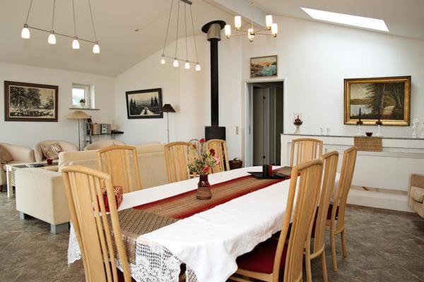 Five-Bedroom Holiday home in Glesborg 5