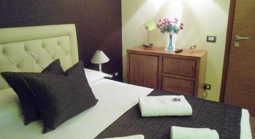 Double Room with Spa Bath and Balcony - Guestroom Aida Charming Rooms