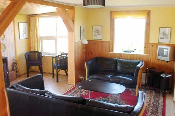 Two-Bedroom Holiday home in Hvide Sande 4