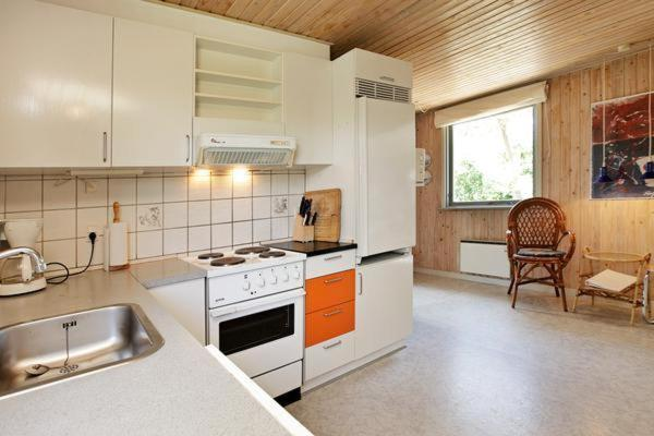 Three-Bedroom Holiday home in Henne 15