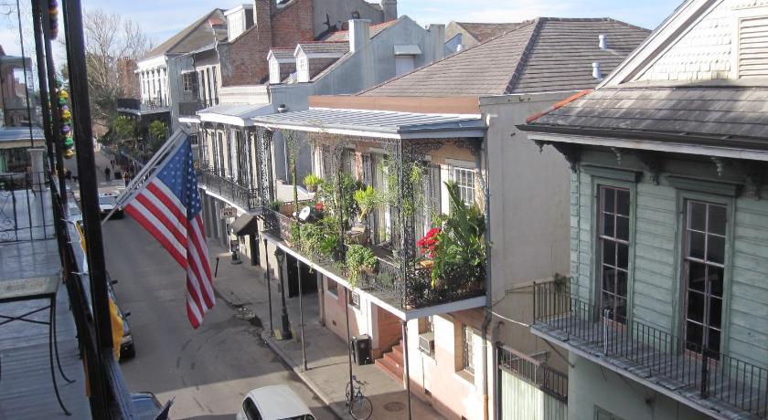 St. Philip French Quarter Apt. Hotel & Vacation Rentals 612 Saint Philip Street New Orleans