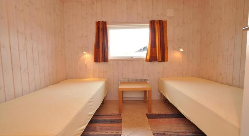 Two-Bedroom Holiday Home Holiday home Hjelmevej H.Strand III