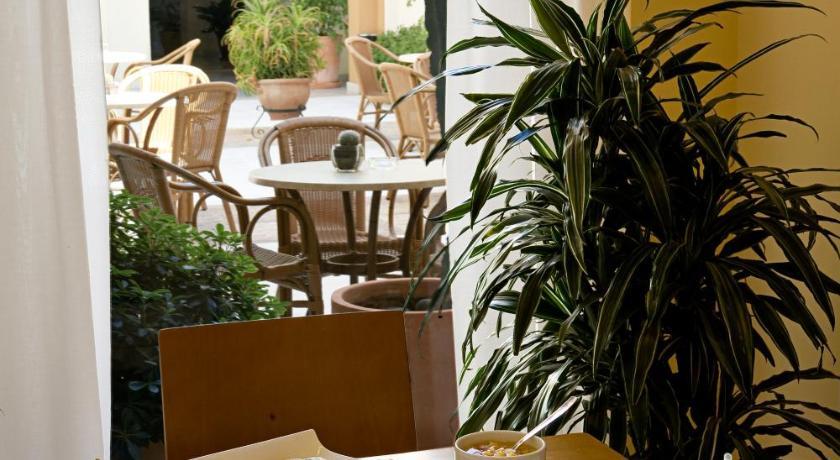 hoteles con encanto en cádiz  208