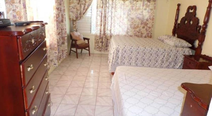 Queen Room - Guestroom Villa Donna Bed & Breakfast