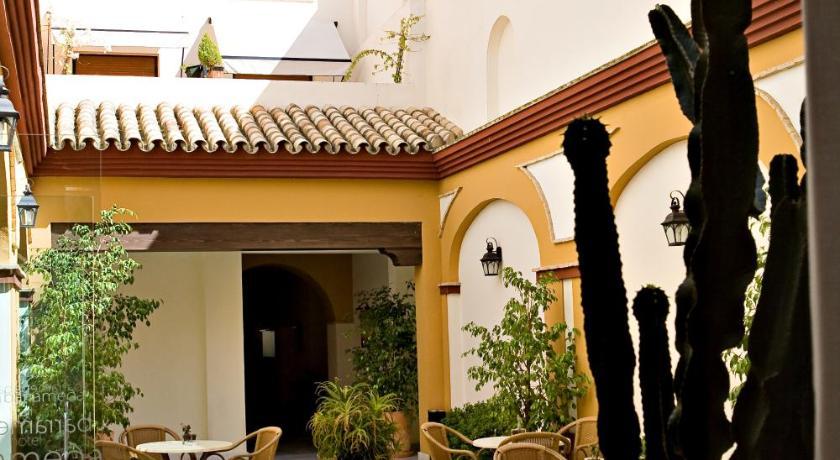 hoteles con encanto en cádiz  220