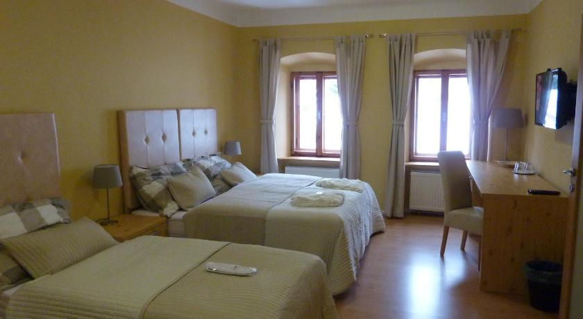 شاهد صورنا الـ28 Apartments and Suites Kremnica