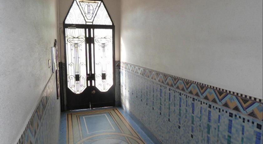 Appartement l 39 art d co r servez en ligne bed for Deco appartement gratuit