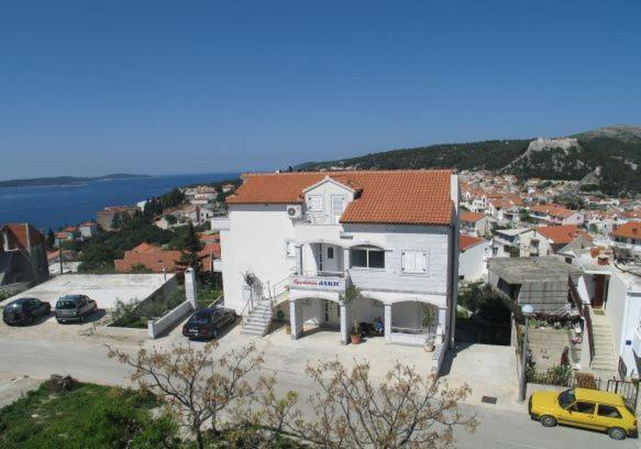 Apartments Jakic Ivana Buzolica 8 Hvar