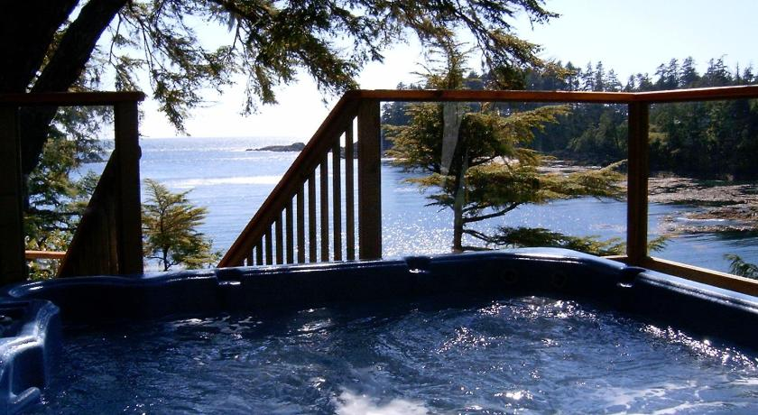 Reef Point Oceanfront Bed and Breakfast 1166 Coral Way Ucluelet
