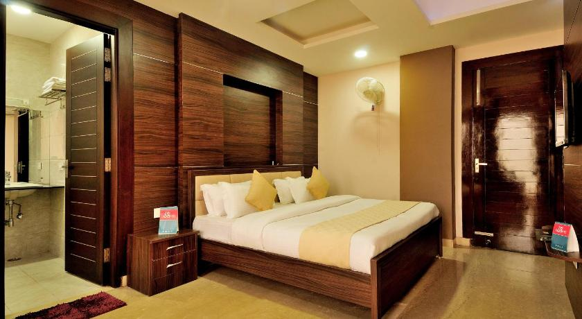 Standard Double Room Zo Rooms Atta Market Noida
