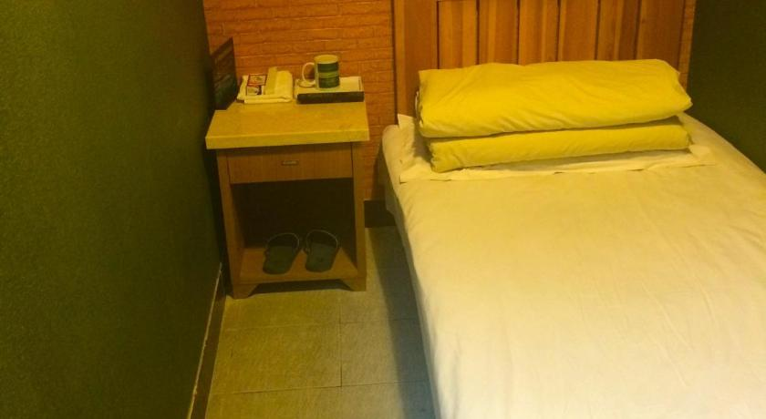 Single Room - Guestroom Discovery Youth Hostel Beijing