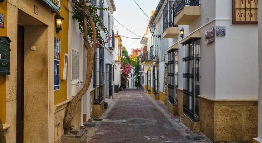 Puerta De Aduares Aduar, 17-18 Marbella