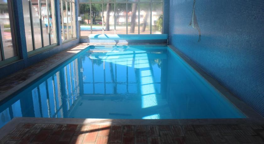 Swimming pool Guesthouse Lirisol I