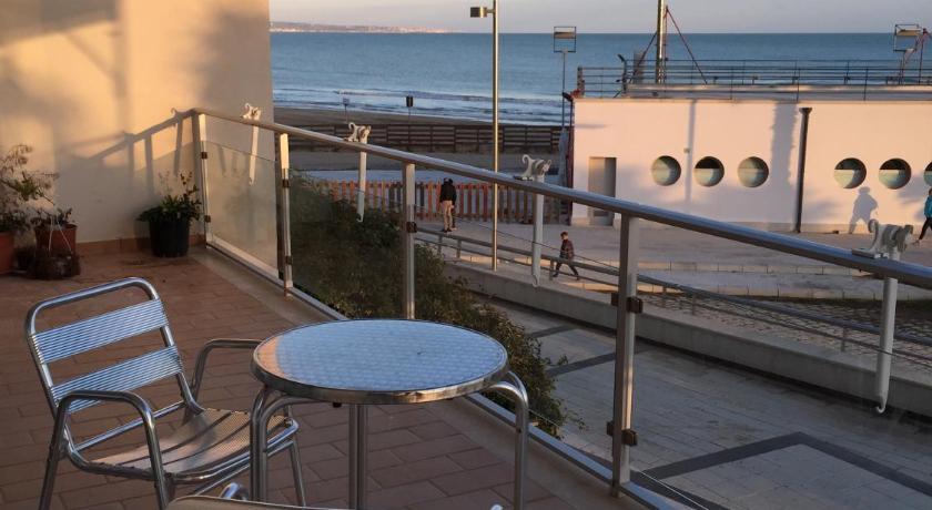 Best Price on La terrazza sul porto in Marina di Ragusa + Reviews!